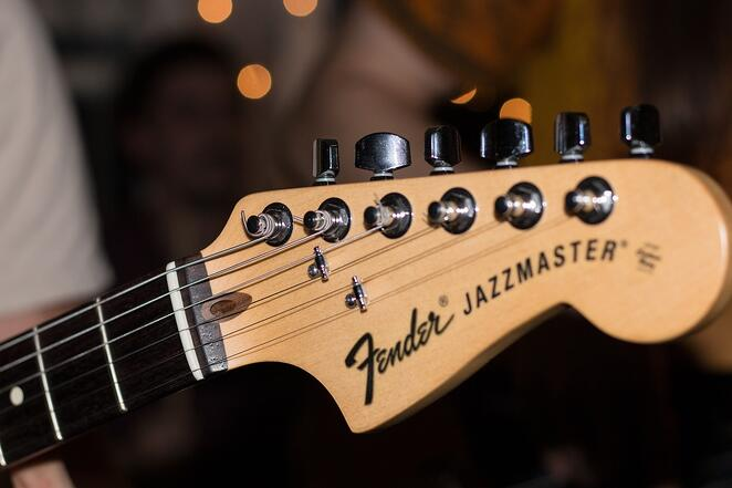 Fender-brand-wholesale.jpg