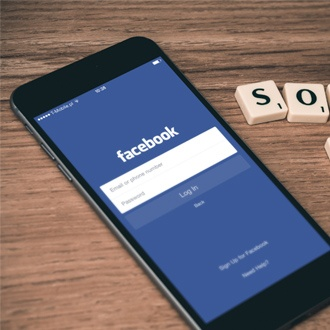 selling-social-media-thumb.jpg