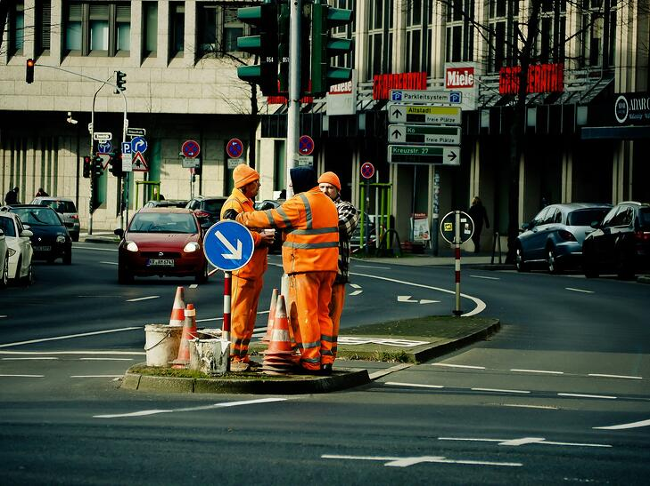 workers-1210670_1920.jpg
